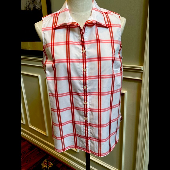 Lands End sleeveless no iron blouse
